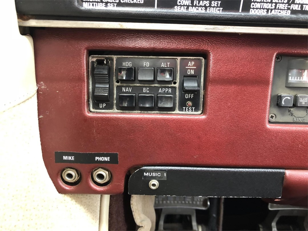 1979 PIPER SENECA II autopilot