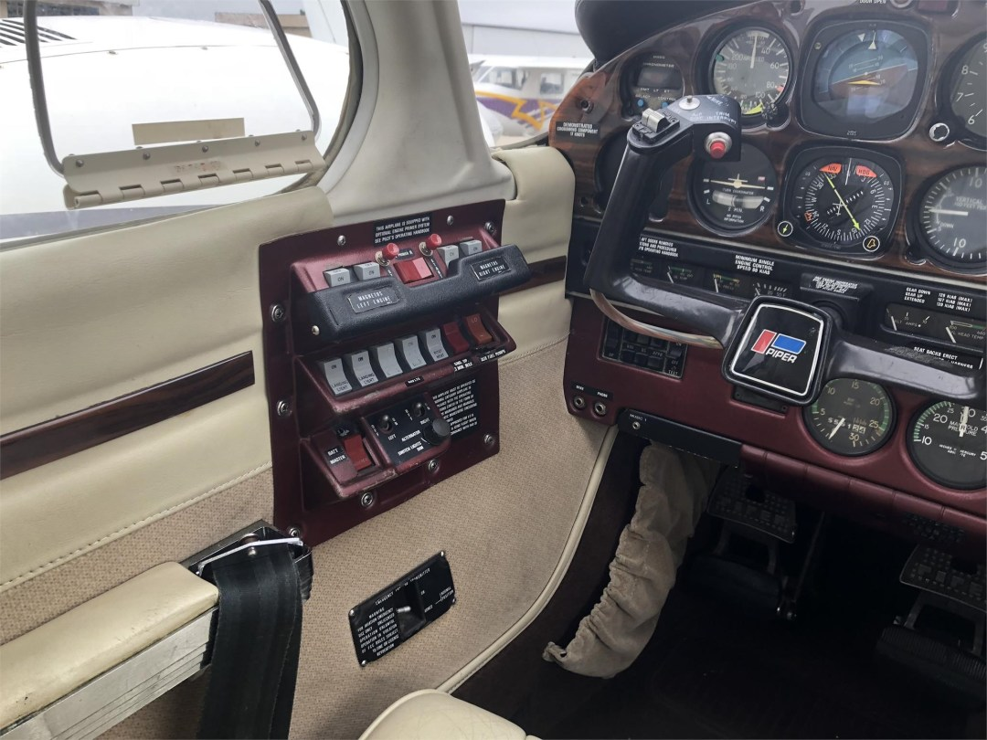 1979 PIPER SENECA II circuit breaker panel
