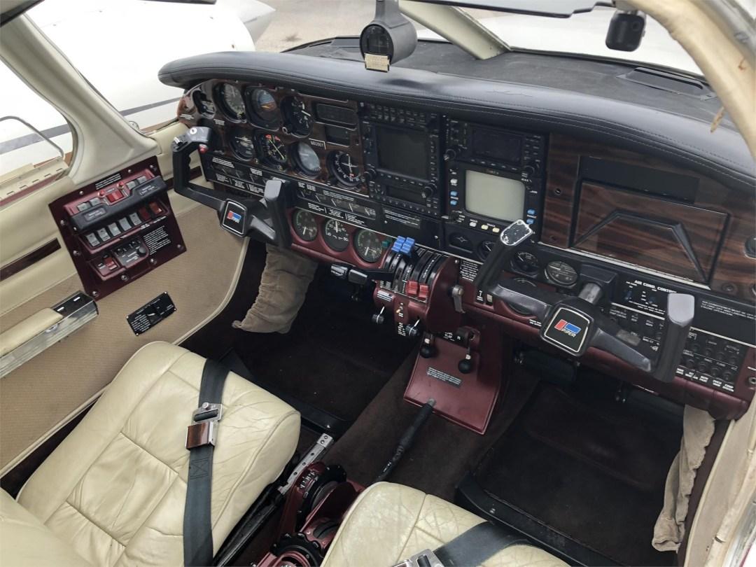 1979 PIPER SENECA II instrument panel overview