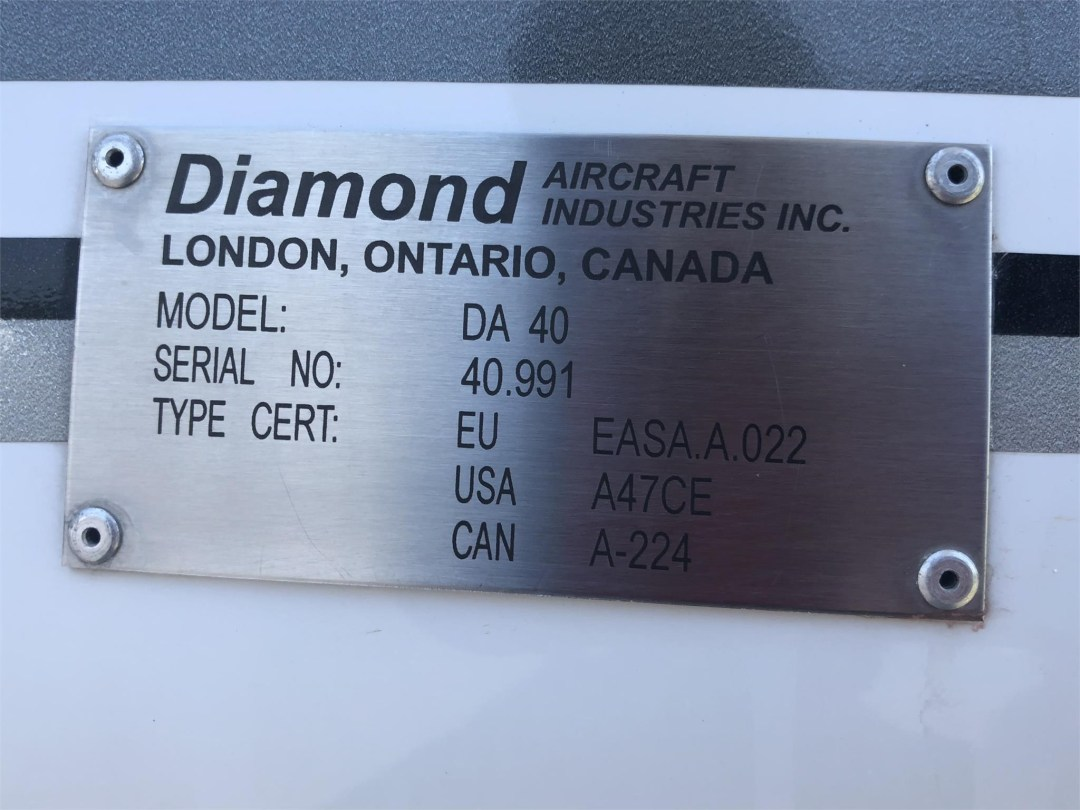 2008 DIAMOND DA40 XLS ID plate