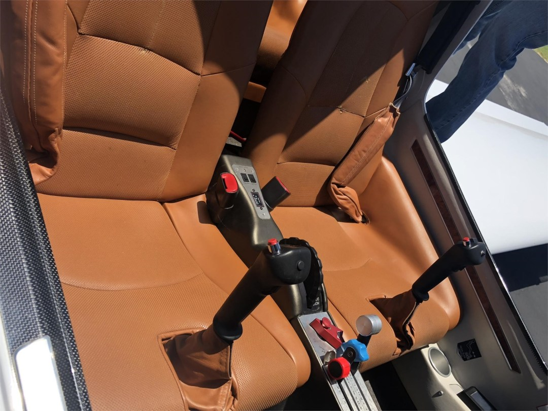 2008 DIAMOND DA40 XLS front seat brown leather interior