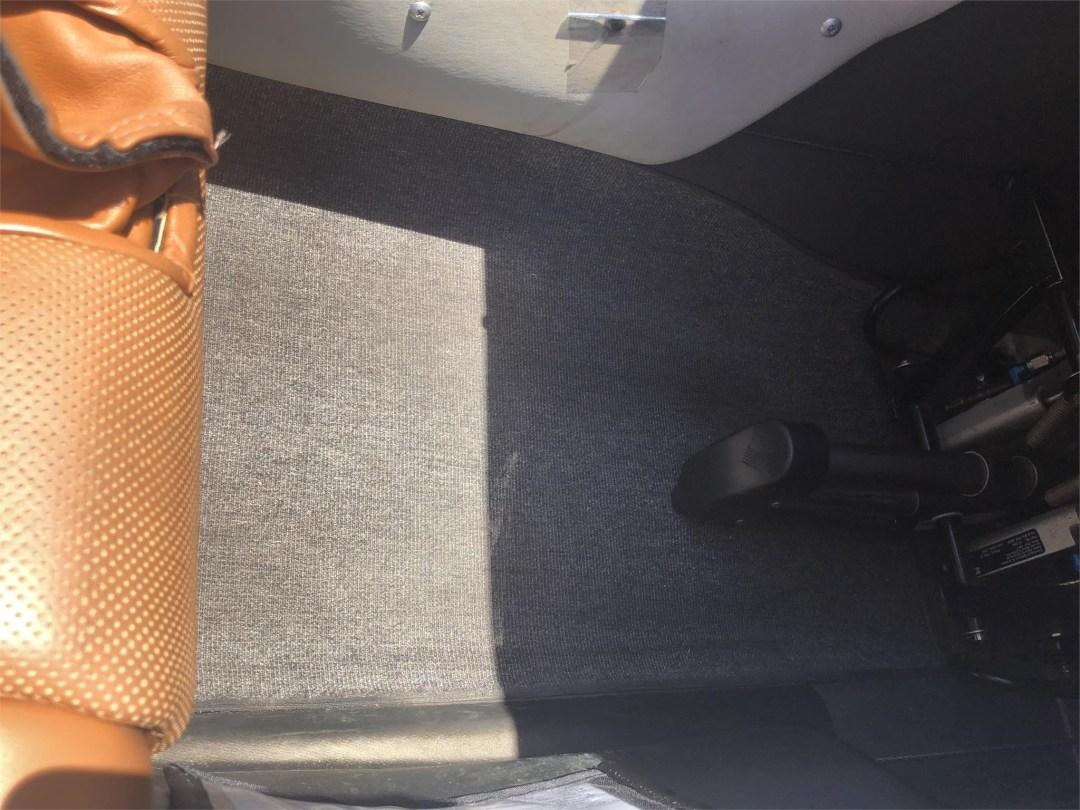 2008 DIAMOND DA40 XLS pilot carpet great condition