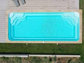 pose d une piscine coque polyester