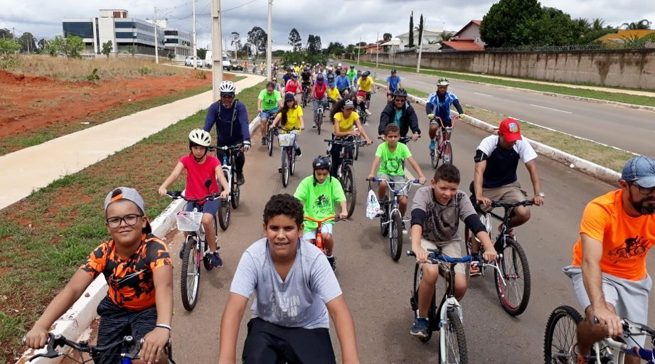 Passeio Ciclístico presta homenagem e celebra o ciclismo no JB