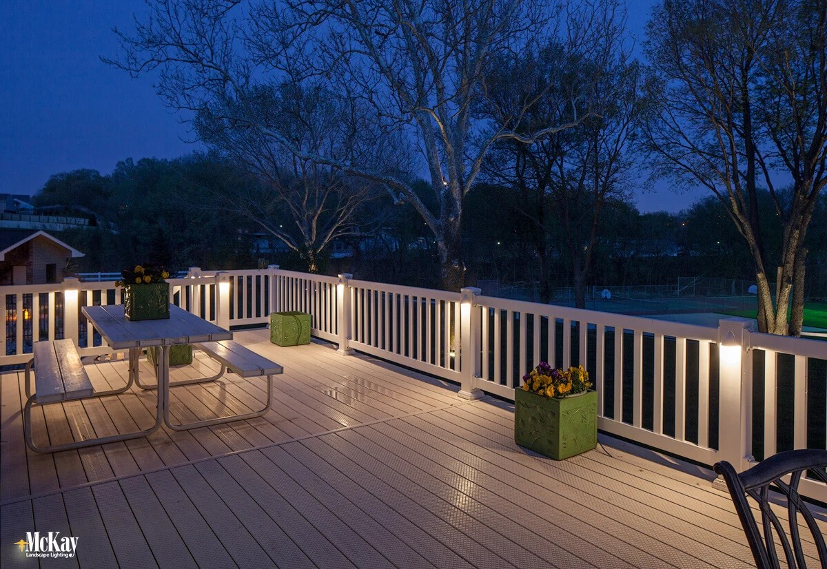 Subtle Outdoor Deck Railing Lighting Ideas
