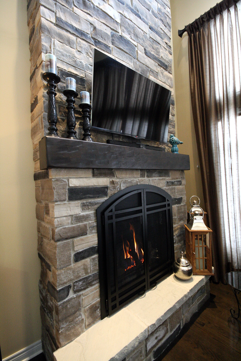 Great Room Fireplace & Mantel detail