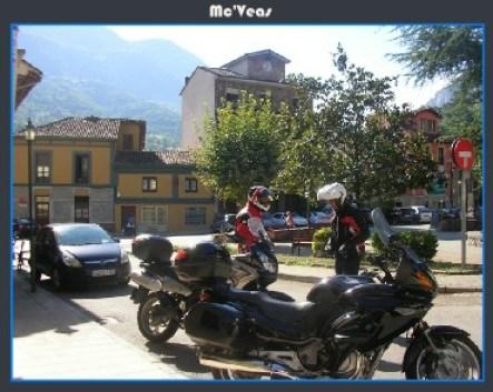 motos aparcadas en Trubia