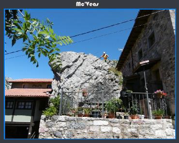 Piedra enorme en patio de villa de Sub