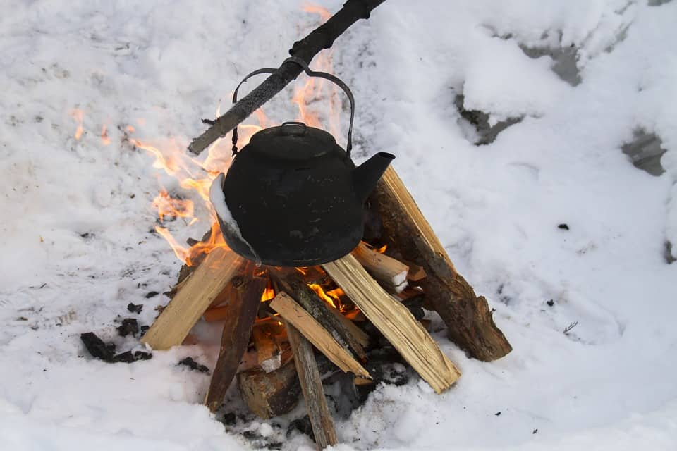how to build a camp fire