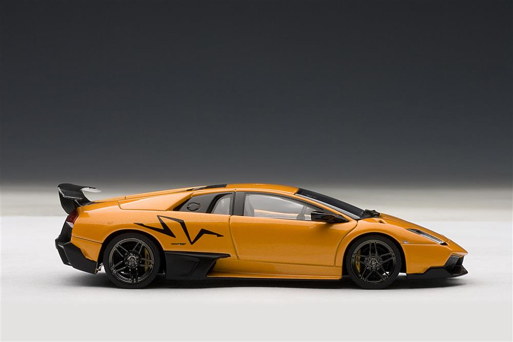 AUTOart Lamborghini Murcielago LP670 4 SV Arancio Atlas Orange 54627 In 143 Scale MDiecast