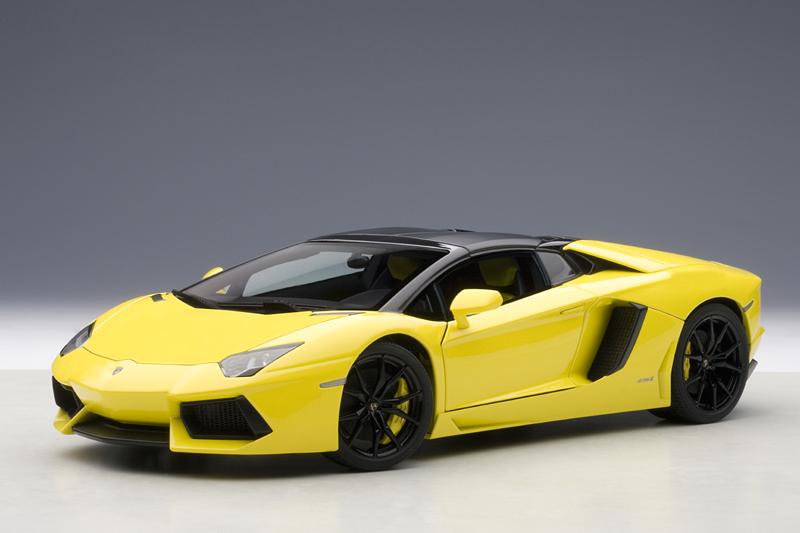 AUTOart Lamborghini Aventador LP700 4 Roadster Giallo Orion Yellow 74699 In 118 Scale