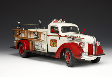 Highway 61 1940 Ford Fire Truck RedWhite 50749 In 116 Scale MDiecast
