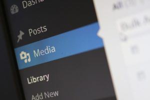 Using Images for user engagement and seo