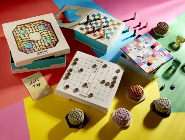Mooncakes Game Boxes and mooncakes