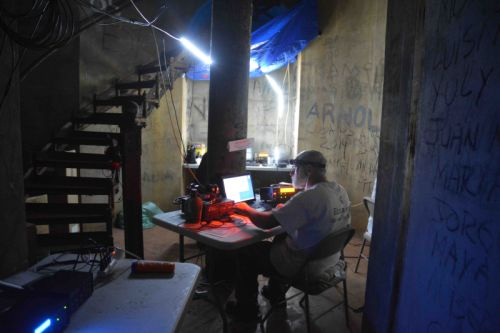 Farol OP na noite de iluminação LED