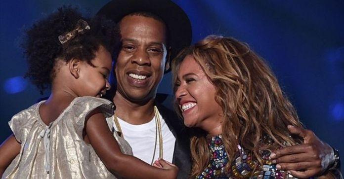 Beyoncé and her daughter