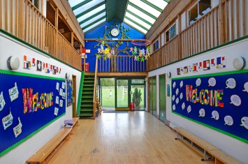 atrium_meadowbrook-montessori-primary-school_warfield_dsc_6374e_r