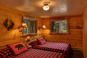 The Poplar Cabin at Meadowbrook Resort & DellsPackages.com in Wisconsin Dells