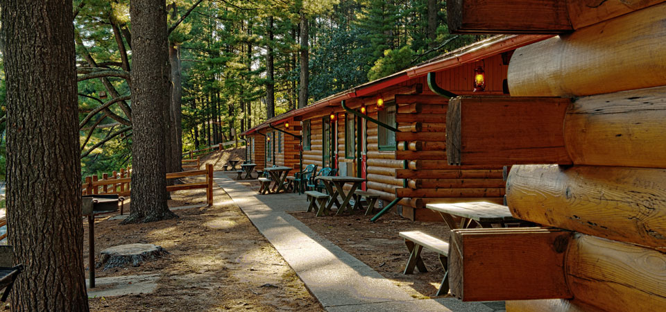 Cabins at Meadowbrook Resort & DellsPackages.com in Wisconsin Dells