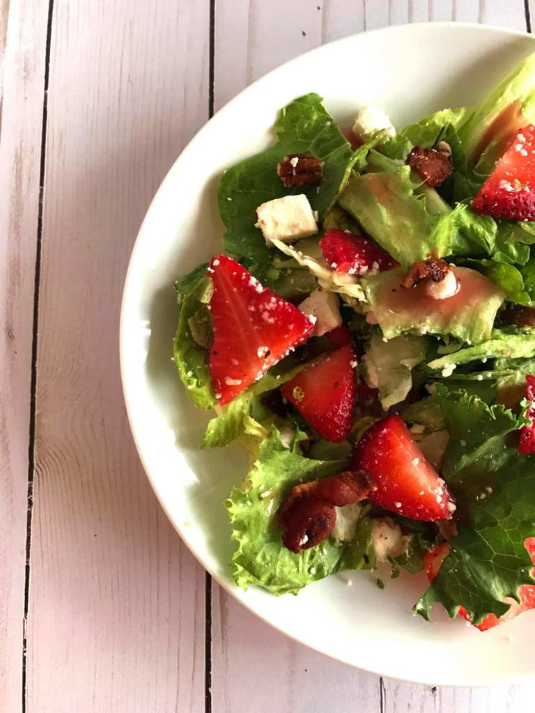 Strawberry Tossed Salad on Meal Planning Mommies