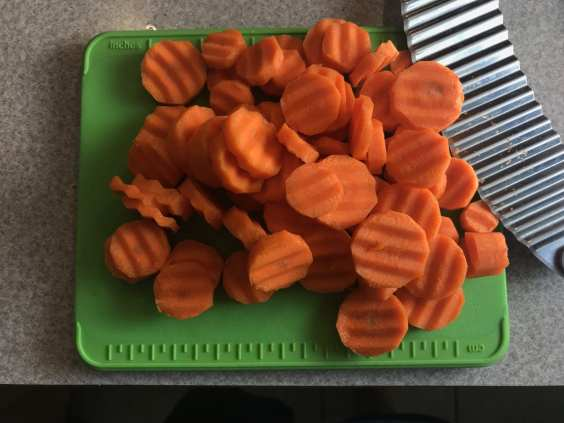 Use a crinkle cutter to make the carrots into a fun size and shape for dipping into Ranch dressing.