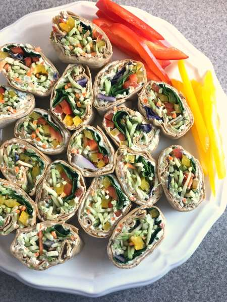 Great WW Super Bowl Party snack: Rainbow Ranch and Veggie Pinwheels