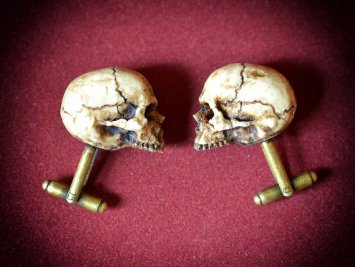 20 Macabre, Twisted, Unusual, Dark, Victorian, & Gothic Stocking Stuffers | Resin Skull Cufflinks | Christmas Shopping | Gifts for Him | www.MeandAnnabelLee.com