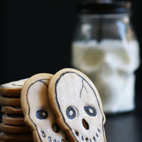 Halloween Skull Cookies - Wilton Edible Write and Cookie Icing - Vanilla Sugar Cookie Recipe- gothic Baking   Me and Annabel Lee