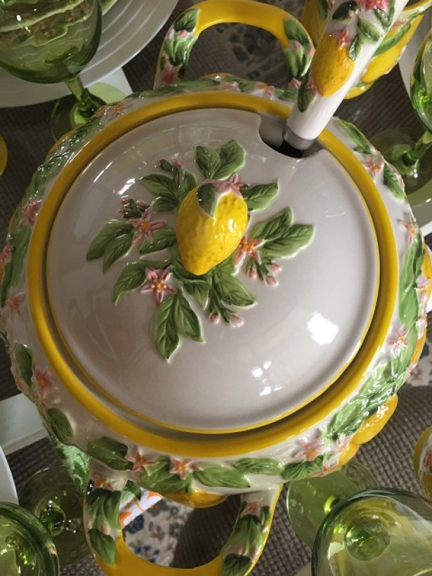 Summer lemon tablescape11