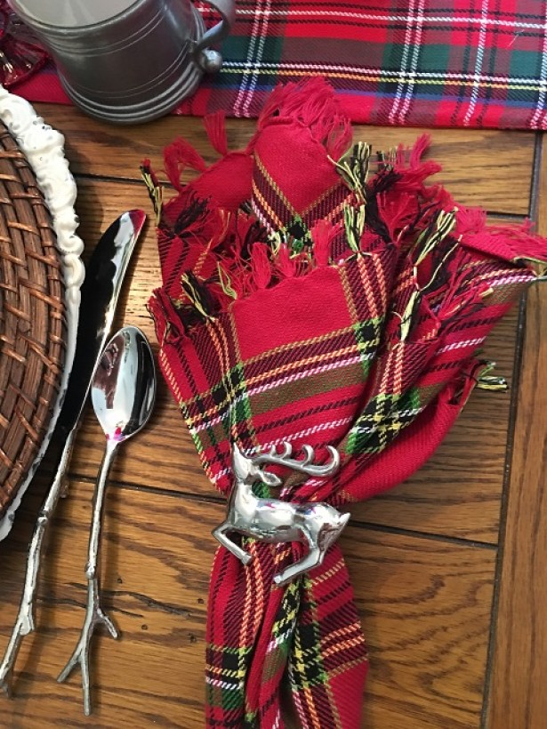 pewter-and-plaid-tablescape12