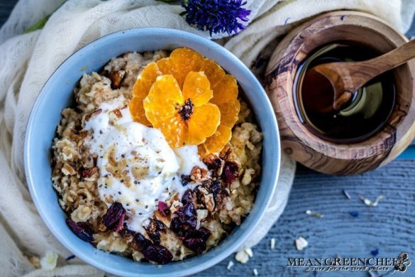 Spiced Mandarin Pecan Oatmeal | Mean Green Chef | Spiced Mandarin Pecan Oatmeal is a totally new way to start the day! A great bowl of oatmeal can be the perfect eye-opener with tender plump grains that hold their bite and shape. #oatmeal #oatmealrecipes #breakfast #breakfastrecipes #breakfastideas #foodphotography #foodstyling #meangreenchef #MGCKitchens