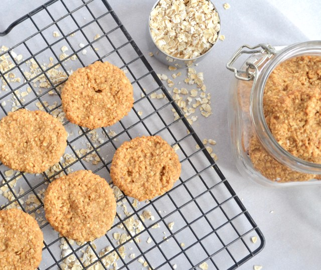 Peanut Butter Oatmeal Cookies_3