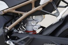 P90327380_lowRes_bmw-s-1000-rr-frame-