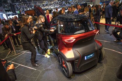 SEAT-kicks-off-its-e-mobility-offensive-in-Geneva_12_HQ