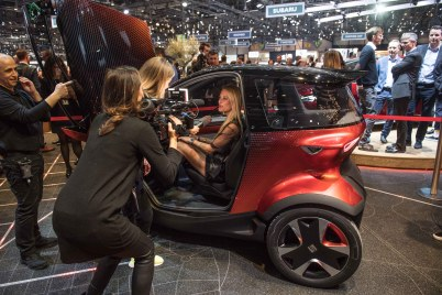 SEAT-kicks-off-its-e-mobility-offensive-in-Geneva_13_HQ