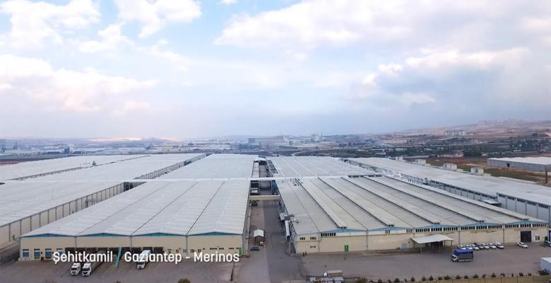 Merinos Halı'nın Yangın Güvenliği Form Endüstri Tesisleri'nin Sunduğu Lamilux Marka Duman Tahliye Kapakları ile Sağlanıyor