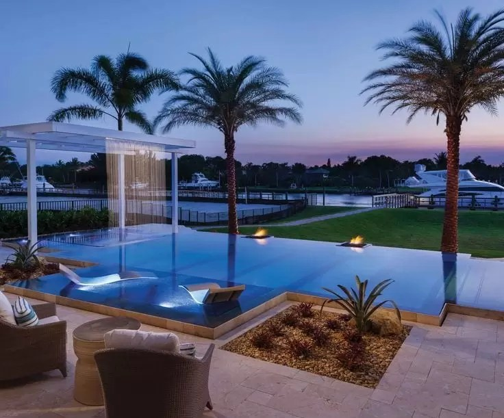 2015 39 s award winning swimming pools pool heat pumps for Florida pool show 2015