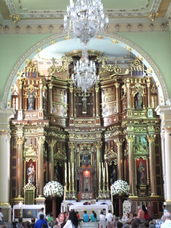 The impressive main alter in the church