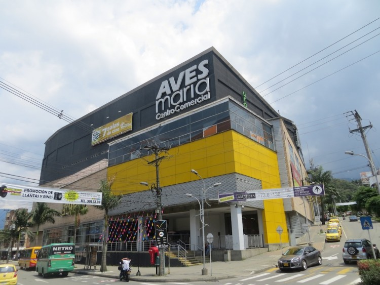 Aves Maria mall, a 10-minute walk from our apartment