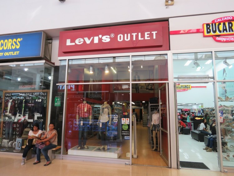 Levi's Outlet in Mayorca mall in Sabaneta