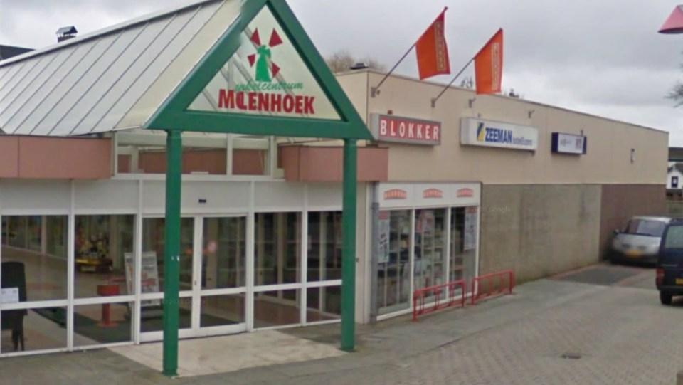 De Blokker vestiging in Wervershoof is geen eigendom van Blokker het winkelcentrum wel (Foto: GoogleMaps)