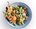 Wat eten wij vandaag: Courgettespiesjes met zalm en pastasalade