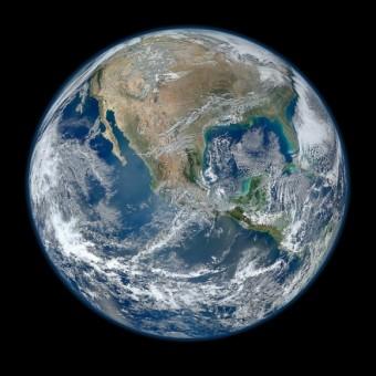 Immagine Blue Marble della Terra scattata con lo strumento VIIRS a bordo del satellite NASA Suomi NPP. Crediti: NASA
