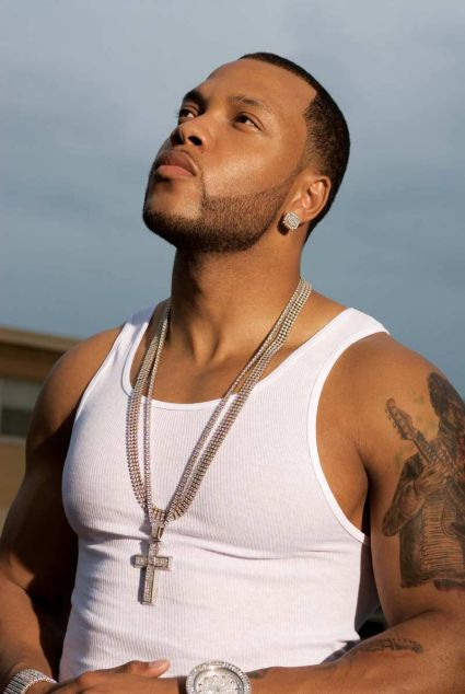 https://i1.wp.com/www.media.wmg-is.com/media/portal/media/cms/images/200709/flo-rida-photo-6-medium_1190657659310.jpg
