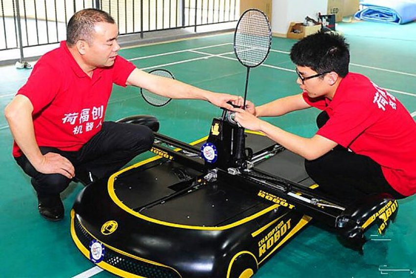 Badminton Playing Human Like Robot from China known as Robomintoner