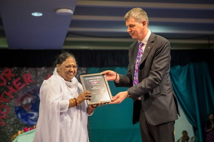Mata Amritanandamayi Devi received THE World University Rankings award