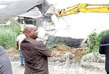 Photo of Governor Nyesom Wike demolishes hotel for flouting lockdown directive