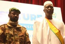 Photo of Transition: Jonathan witness swearing-in of Malian President