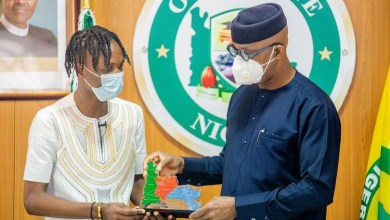 Photo of BBNaija Lockdown: Ogun appoints Laycon Youth Ambassador