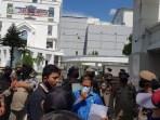 Dua Pejabat Disdik Sasaran Demo PMII di Kantor Gubsu